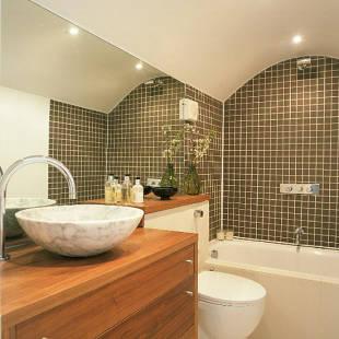 Organizar su pequeño baño de manera eficiente