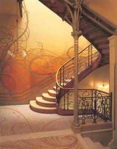 Escaleras y pasillos