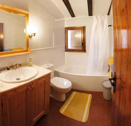 Aprenda a decorar su ba o con estilo arquitectura y - Adornos para cuarto de bano ...
