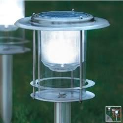 Instalando iluminaci n a energ a solar en el jard n for Iluminacion de exterior solar