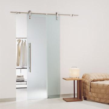 Removiendo una puerta de vidrio corrediza de aluminio for Puertas de paso de cristal