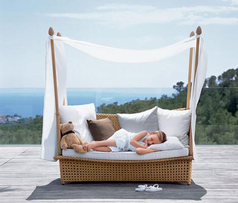 Elija correctamente sus muebles de exteriores for Sofa exterior esquina